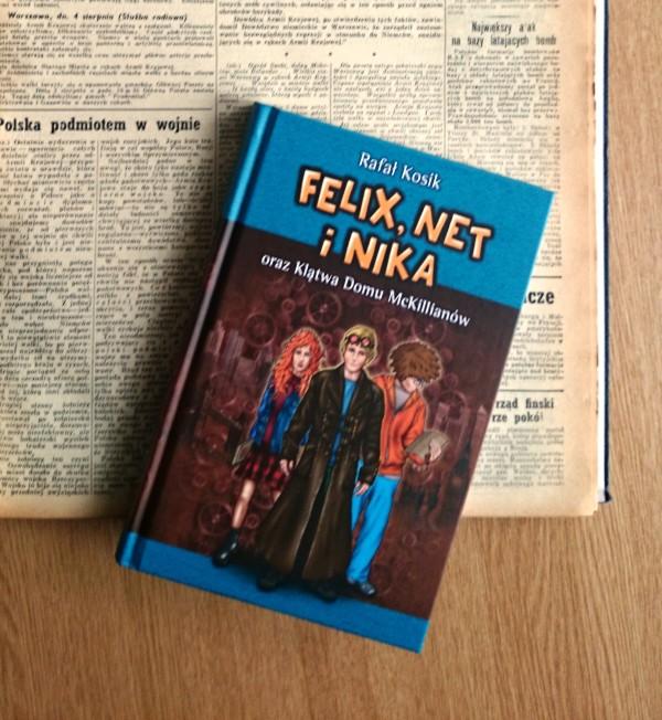 """""""Felix, Net i Nika"""" w szlachetnym sąsiedztwie archiwalnego numeru """"Dziennika Polskiego"""" / fot. Katarzyna Kosik"""