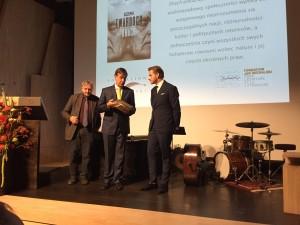 3 Prof. J. Jarzębski, prof. F. Rosset i Szczepan Twardoch. Fot. W. Klas 2015-10-10